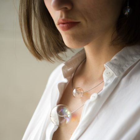 Skleněný náhrdelník Neon
